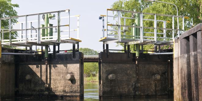 Dams / Locks
